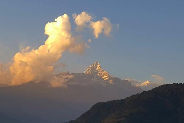 prés du lac de pokhara vous marcherez sur les sentiers des annapurnas